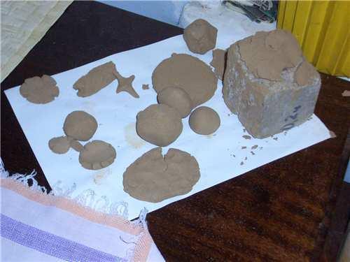 Проверка прочности и степени жирности подготовленного глиняного состава