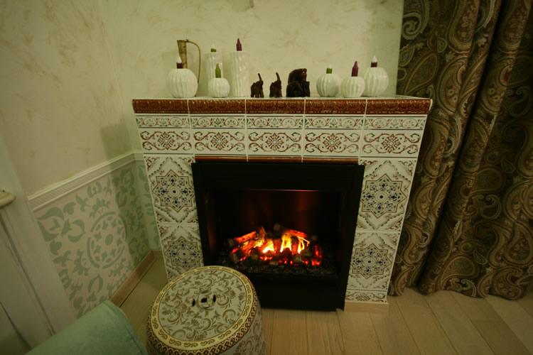 Как сделать дома имитацию камина в квартире